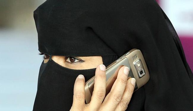 """تجنيد الفتيتات في صفوف """"داعش"""".. مغريات وأحلام رومانسية"""