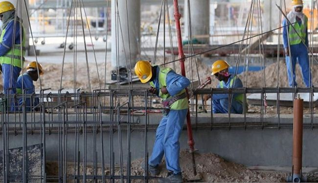 الاندبندنت: ظروف العمال في أبوظبي شبيهة بالعبودية