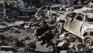 """السعودية تدمر قدرات الجيش اليمني لتسهيل تمدد """"داعش"""""""