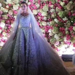 العروس بفستان الزفاف