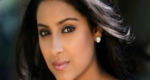 الممثلة الهندية
