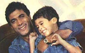 أحمد زكي مع ابنه