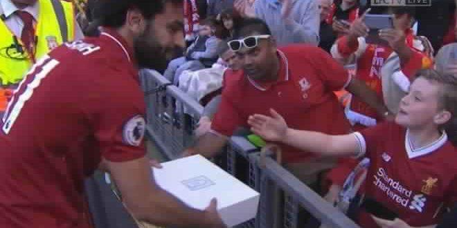 محمد صلاح وتكريم جمهور ليفربول له